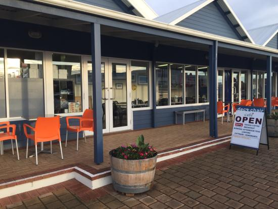 DeckChair Cafe - Accommodation Gladstone