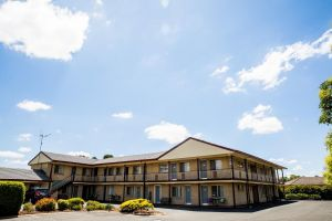 Lilac City Motor Inn  Steakhouse - Accommodation Gladstone