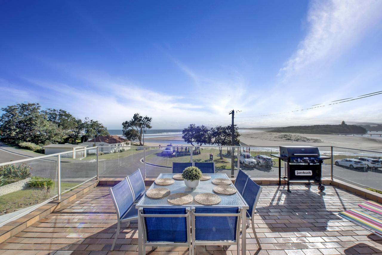 The Rotunda  Gerroa - Pet Friendly Beachfront - Accommodation Gladstone