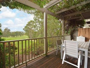 Villa Margarita located within Cypress Lakes - Accommodation Gladstone