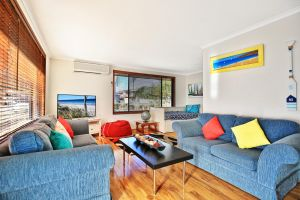 Sandy Toes Beach House Jervis Bay - 2min to Beach - Accommodation Gladstone