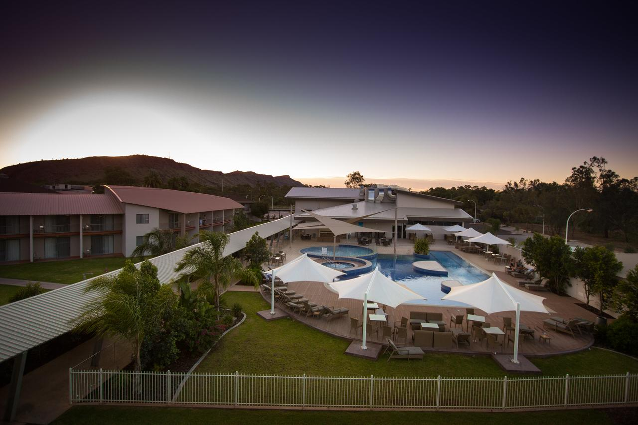 Crowne Plaza Alice Springs Lasseters - Accommodation Gladstone