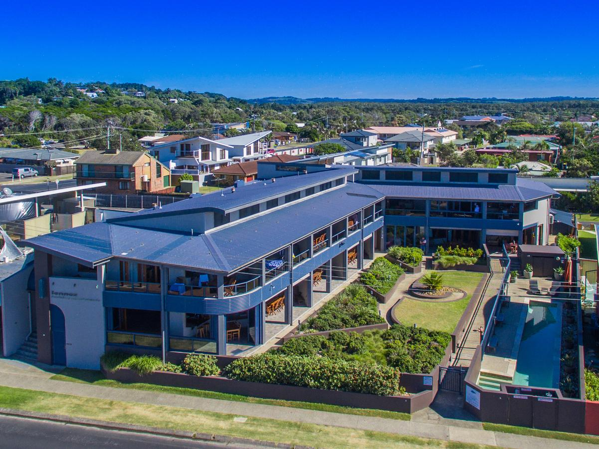 Lennox Holiday Apartments - Accommodation Gladstone