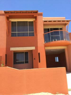 Tuscany Townhouse 3-4 - Accommodation Gladstone
