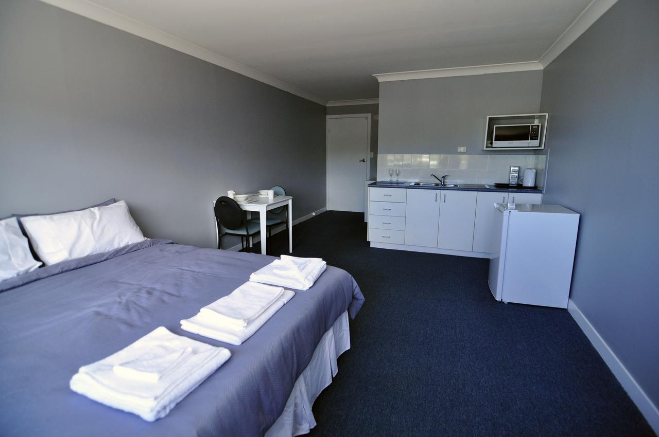 Bribie Island Square - Accommodation Gladstone